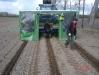 Посадочная машина для закладки маточника земляники