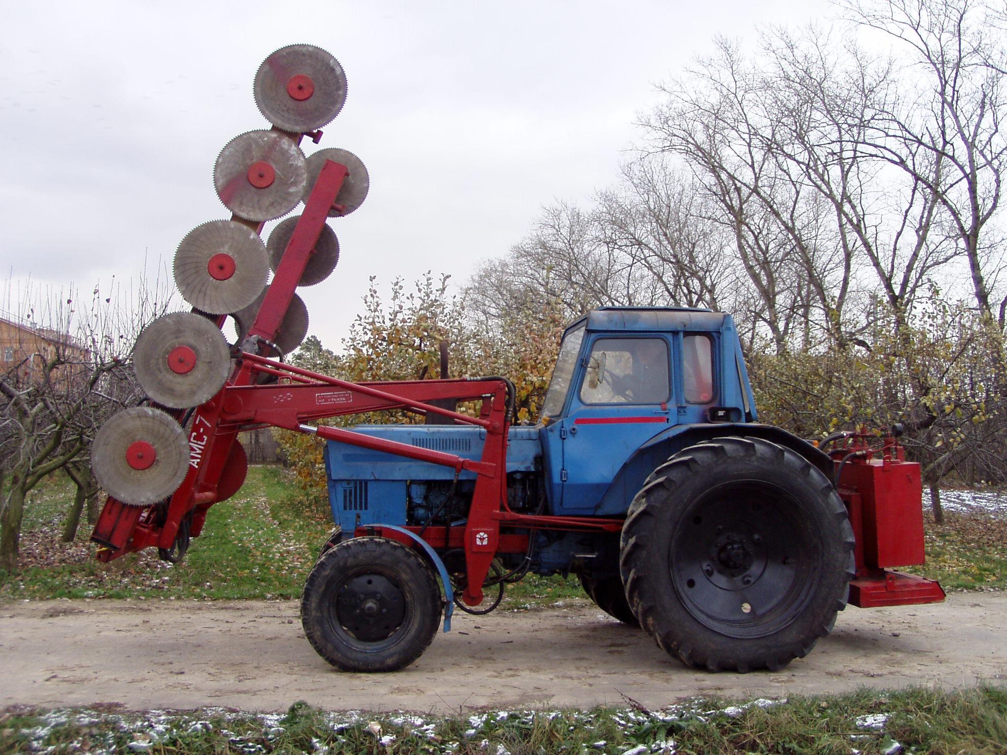 Комплектация с аппаратом для контурной обрезки кроны деревьев