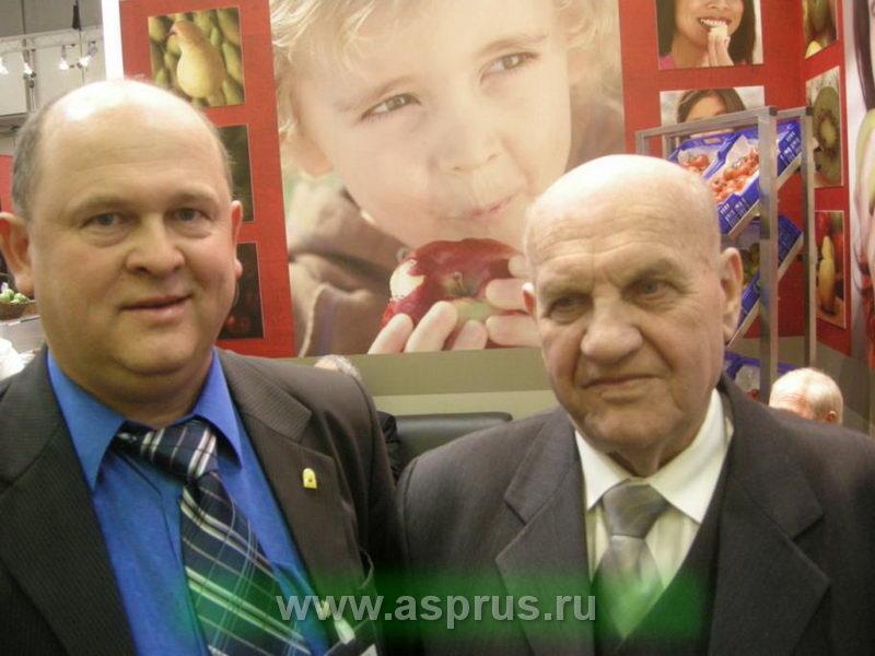 Председатель Ассоциации садоводов-питомниководов Муханин Игорь Викторович и профессор Эберхард Макош (Польша)